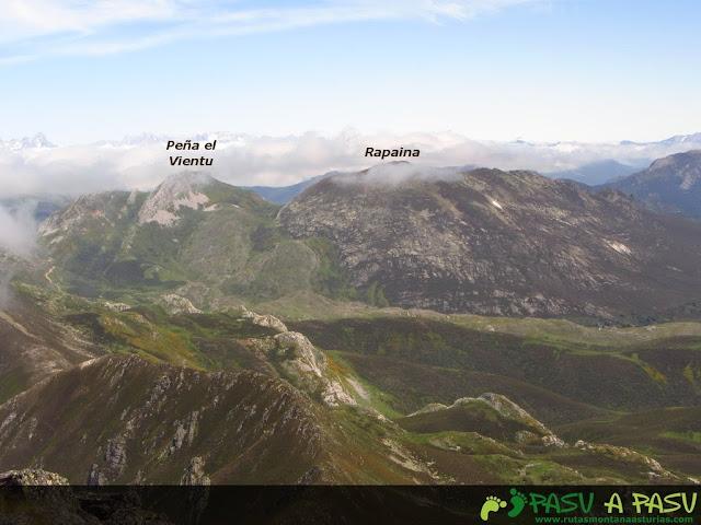 Ruta al Pico Torres y Valverde: Vista de la Peña del Viento y Rapaína desde el Torres