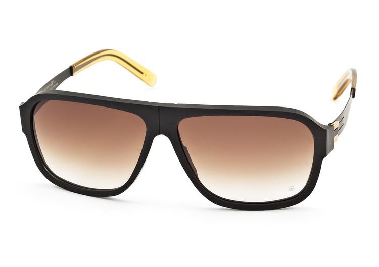De zonnebril heeft een acetaat voorstuk met rvs veren. Verkrijgbaar bij 4·D  Optiek Arnhem in zwart met goud of zwart met zilver! 3d740ff5c2bd