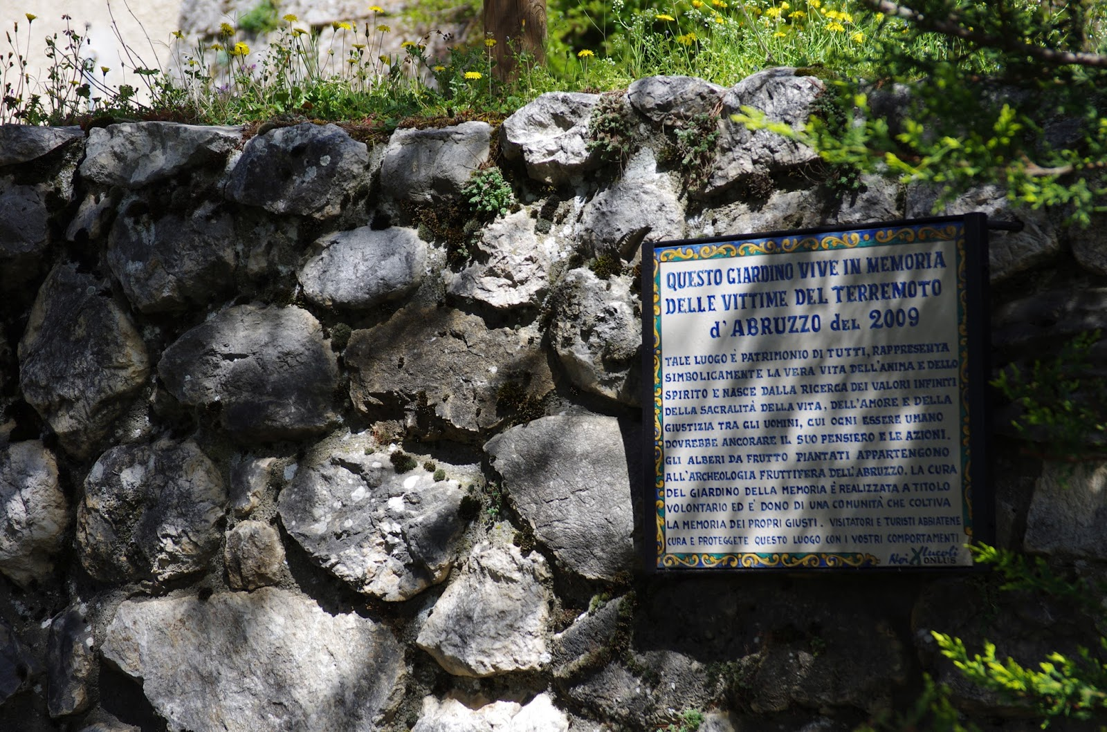 Noixlucoli onlus giardino della memoria del sisma di - Giardino d abruzzo ...