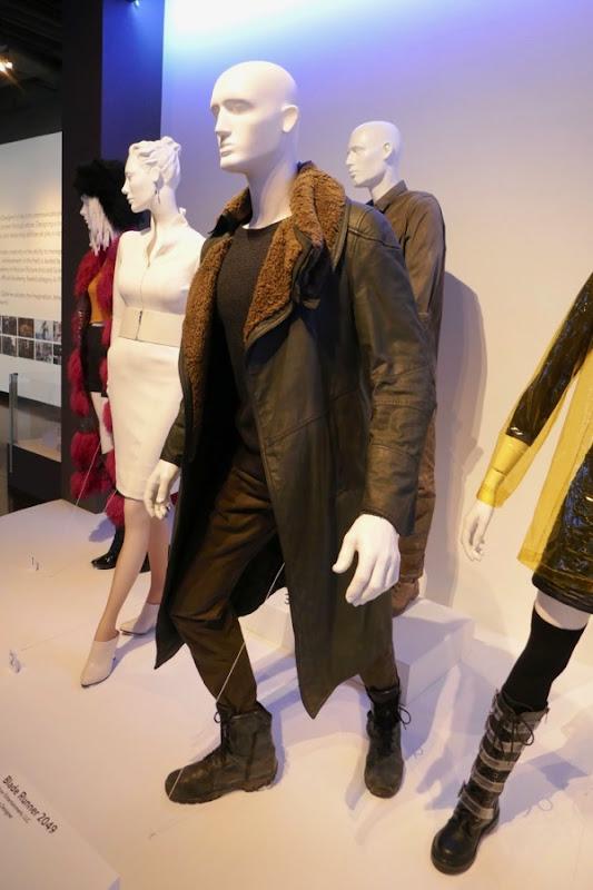 Ryan Gosling Blade Runner 2049 K costume
