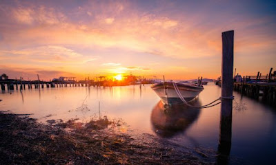 Ηλιοβασίλεμα στην λιμνοθάλασσα Μεσολογγίου.