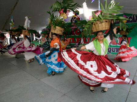 4e353a532a Chimalhuacán, Méx.- Con el fin de dar a conocer las costumbres y  tradiciones del estado de Oaxaca, el gobierno del Nuevo Chimalhuacán  celebra la XV edición ...