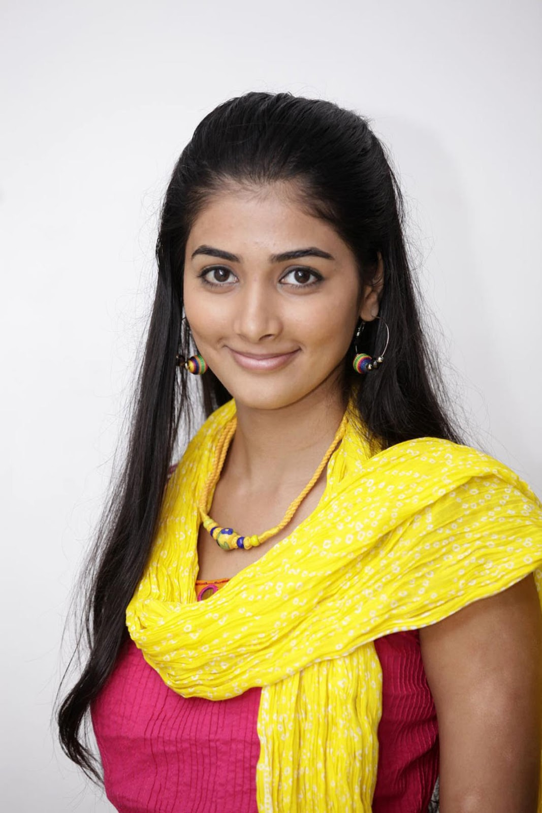 Pooja Hegde Hot Hd Wallpapers - High Resolution Pictures-2400