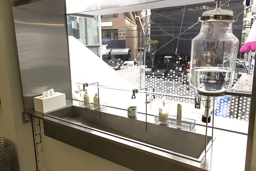 Dr.Jart+ Concept/Flagship Store: Dr.Jart+ Filter Space in Seoul Air display
