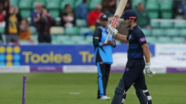 cricketer in London overtook Kohli in the batting
