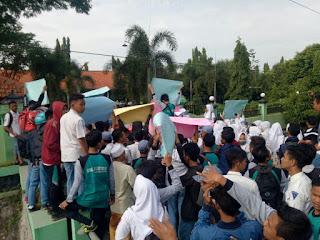 Ratusan Siswa SMKN 1 Jatirejo Demo, Tuntut Kasek Lengser