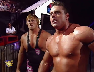 WWE / WWF - In Your House 14: Revenge of Taker - Owen Hart & British Bulldog faced The Legion of Doom