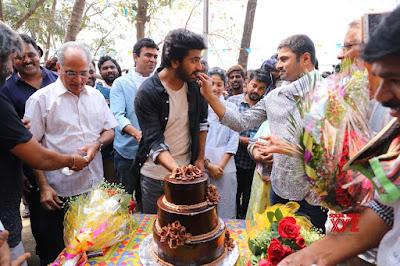 Hero-Sharwanand-Birthday-Celebrations-on-the-sets-of-Padi-Padi-Leche-Mansu
