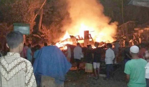 Dangol Nai... Boru Nasution Terpanggang Saat Rumahnya Terbakar Dan 2 Orang Lainya Selamat