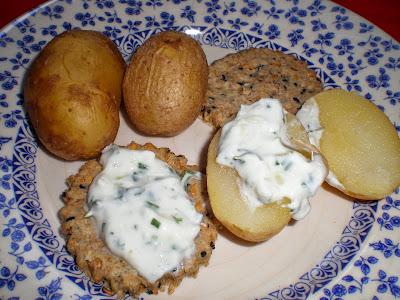 Crema de queso quark a las hierbas receta pate dip entrante queso vegetariana crudites