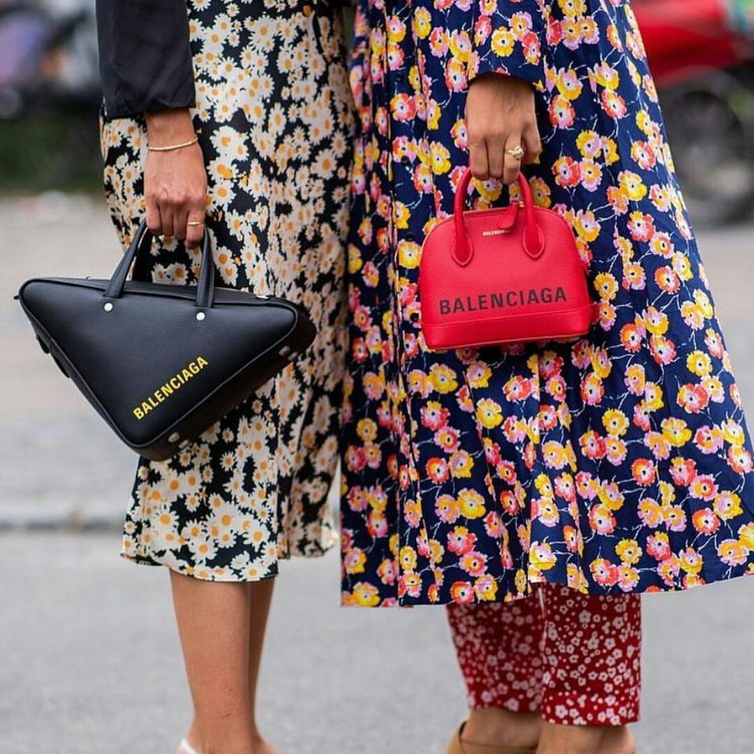 37861c7f6dec82 Flowerpower #floral motifs #design #Balenciaga bags #streetstyle de luxe  #modern look #trendy #chic #new looks #design #streetstyle guide #