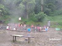 Relaksasi di Pemandian Air Panas Cangar Kota Batu Malang