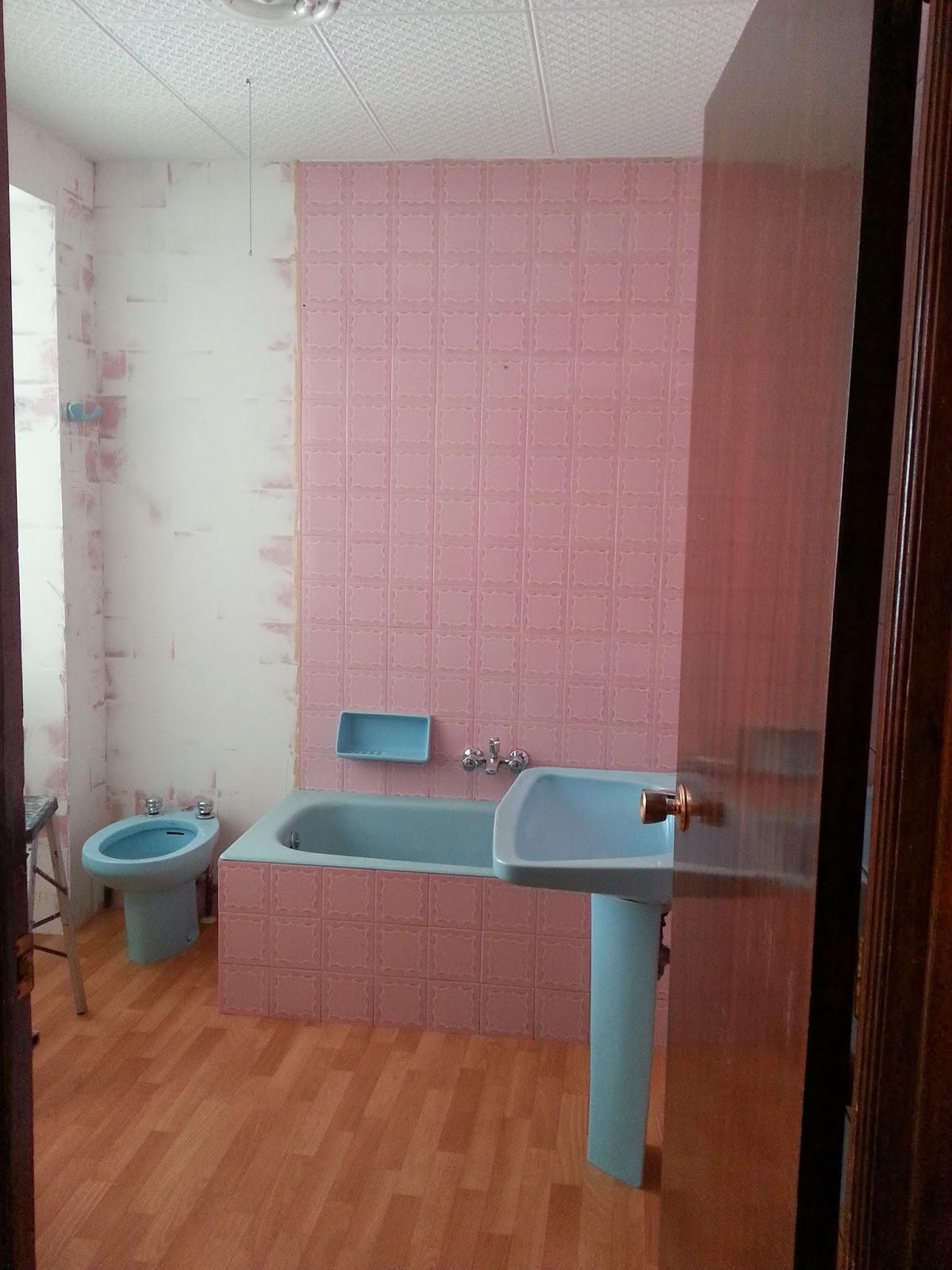 Papeles pintados y decoraciones en general papel para ba o - Papel pintado para bano ...