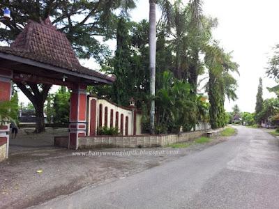 Pintu masuk Gua Maria Jatiningrum