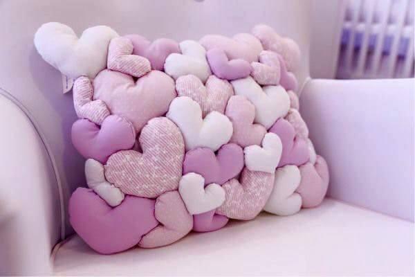 Ideas para decorar cojines con corazones decoraci n del - Cojines para dormitorios ...