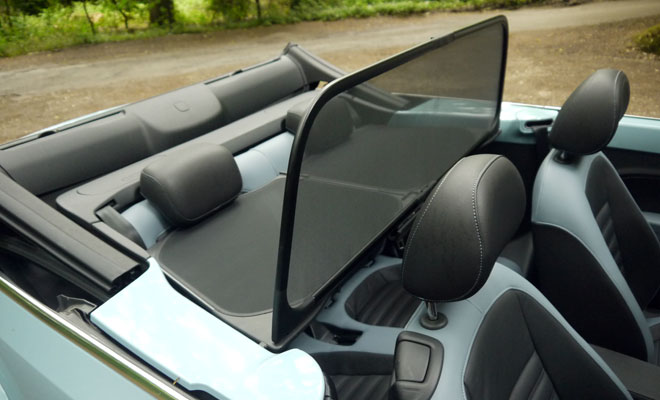 2013 VW Beetle Cabriolet wind deflector