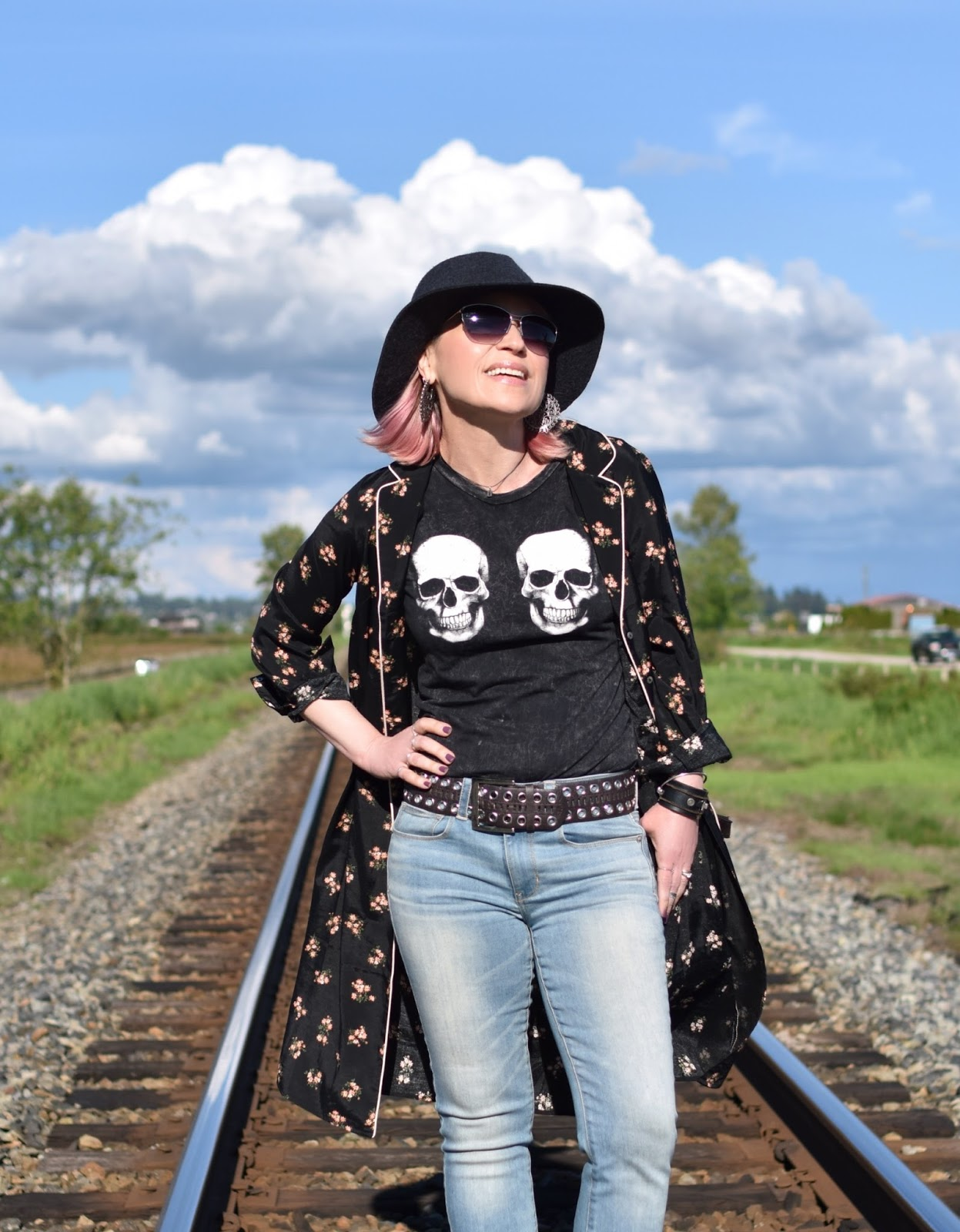 Monika Faulkner outfit inspiration - skull t-shirt, floral shirtdress, jeans, floppy hat