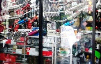 tempat jual beli onderdil motor baru dan bekas di Bogor