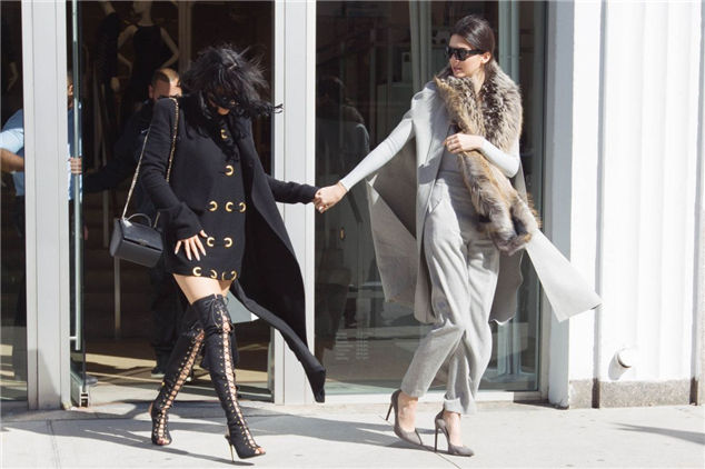 Kylie Jenner And Kendall Out And About In Soho