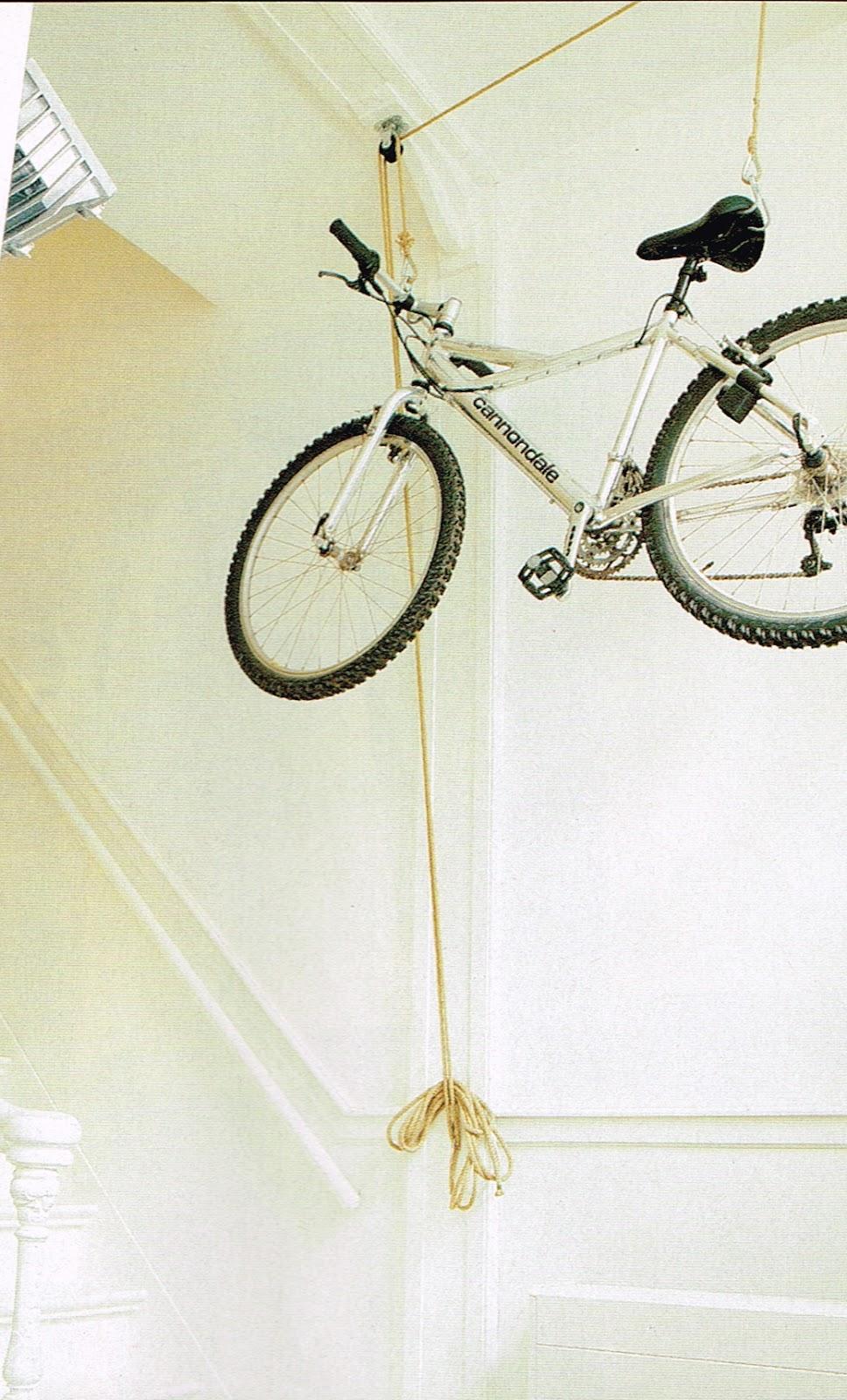 koradecora: Colgar bicis en casa