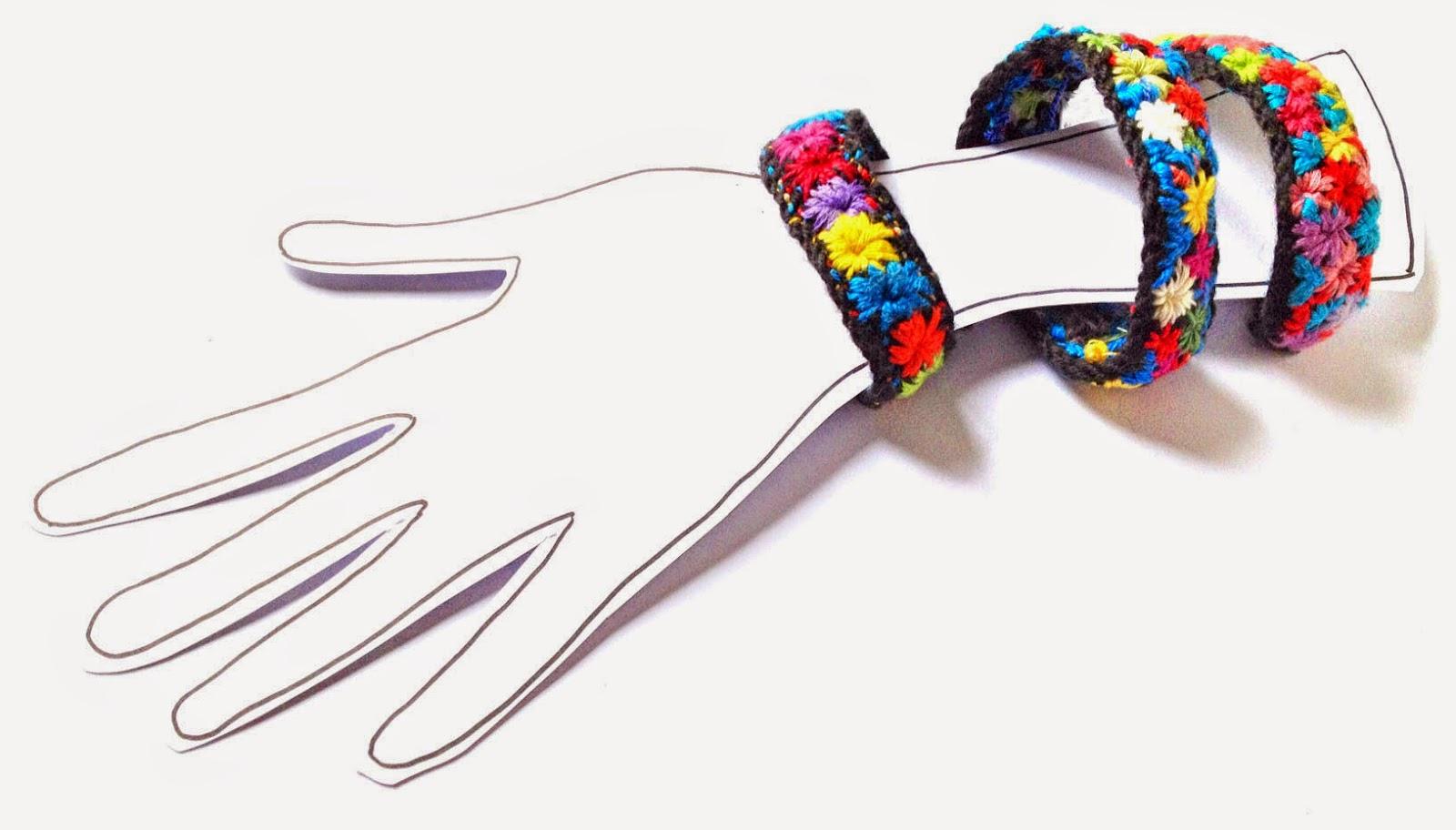 bracelets en laine brodee