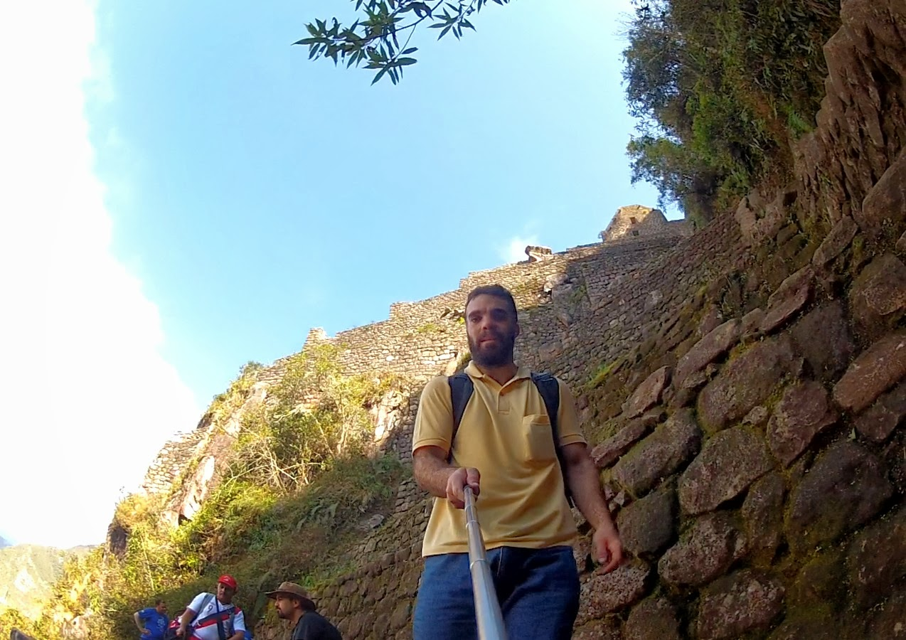 Ainda falta um bocado para chegar ao cume da montanha Huaynapicchu.