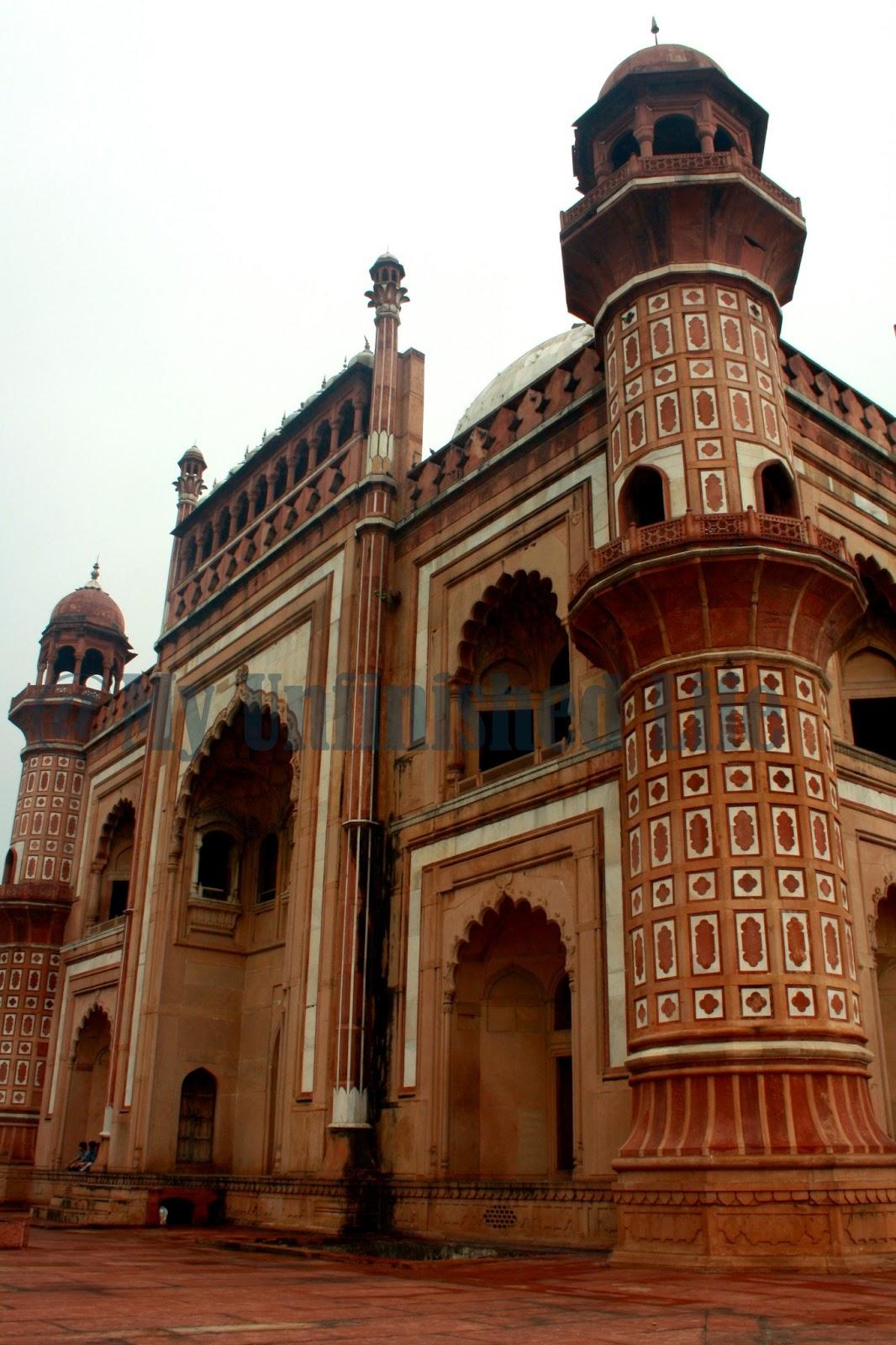 Safdarjung's Tomb in Delhi ~ Mughal Empire's Last Garden ...