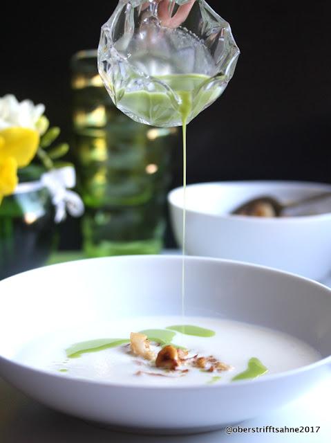 Blumenkohlsuppe mit Einlage