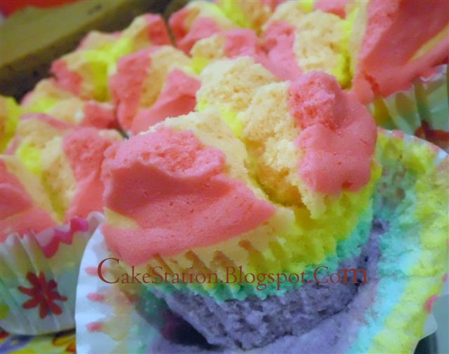 Resep Rainbow Cake Kukus Istimewa: Resep Dapur Cakestation: Rainbow Kukus Mekar