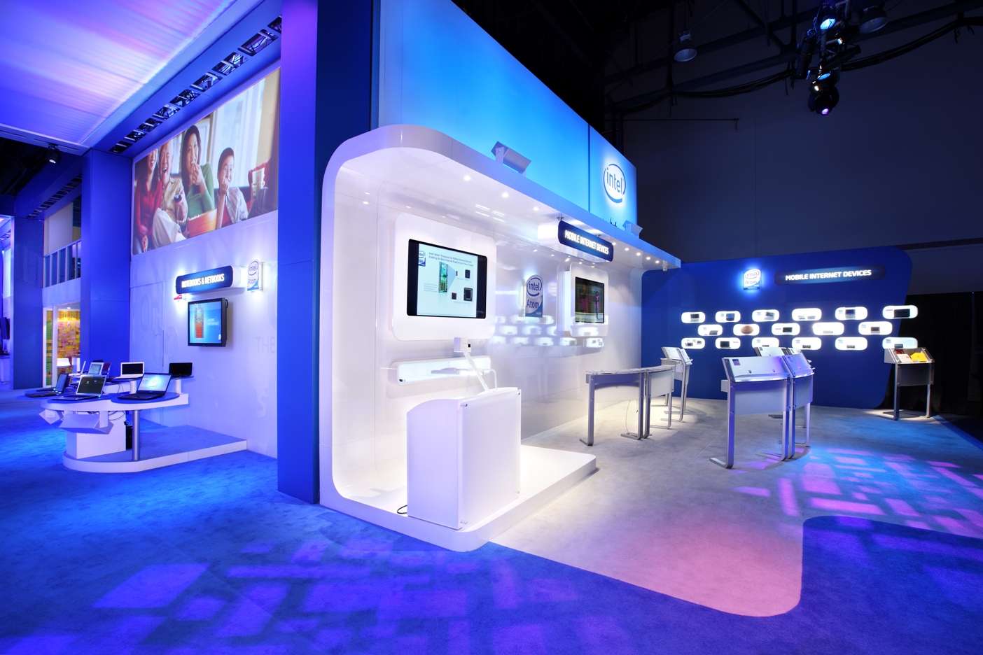 Lighting as an exhibit design tool & Studio One Designs Pvt. Ltd. - Exhibition Stand Design: Light as an ...