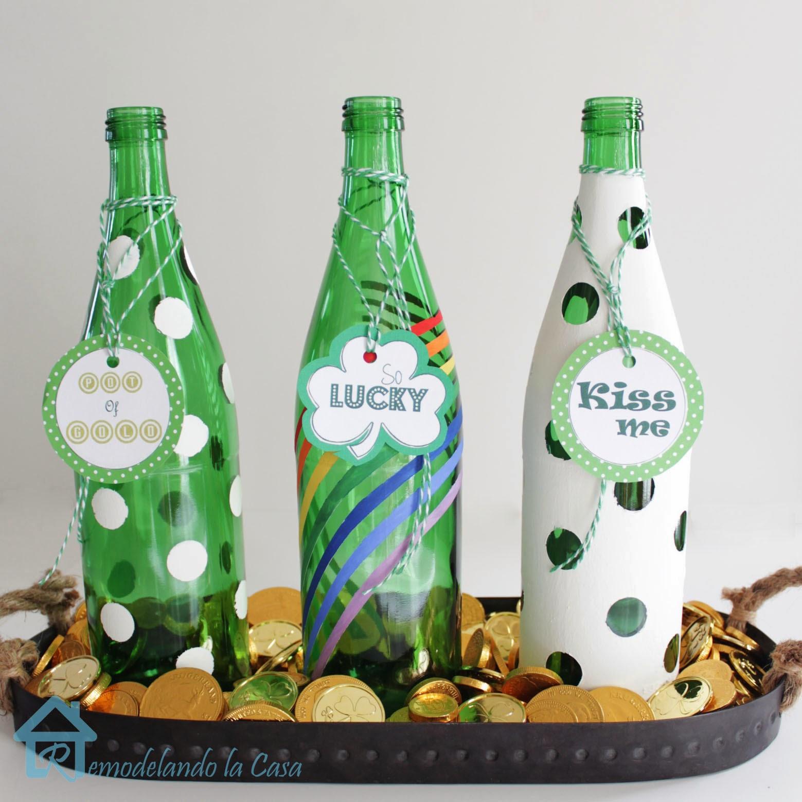 St patrick 39 s day bottle centerpiece remodelando la casa for Plastic bottle decoration ideas