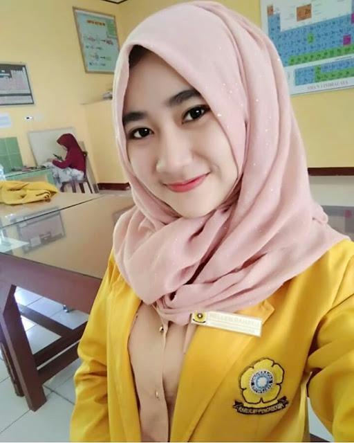 Beautiful Hijab Student