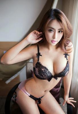Cerita Sex Sekretaris Sexy Yang Gatel Minta Ngentot