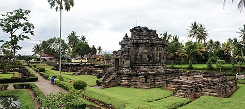 Tempat Bersejarah di Indonesia Candi Ngawen