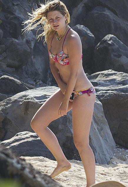 Mischa Barton Hot Pics | Celebrity Hot Wallpapers And Photos