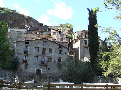 https://ca.wikipedia.org/wiki/Rivert#/media/File:Conca_de_Dalt._Toralla_i_Serradell._Rivert_12.JPG