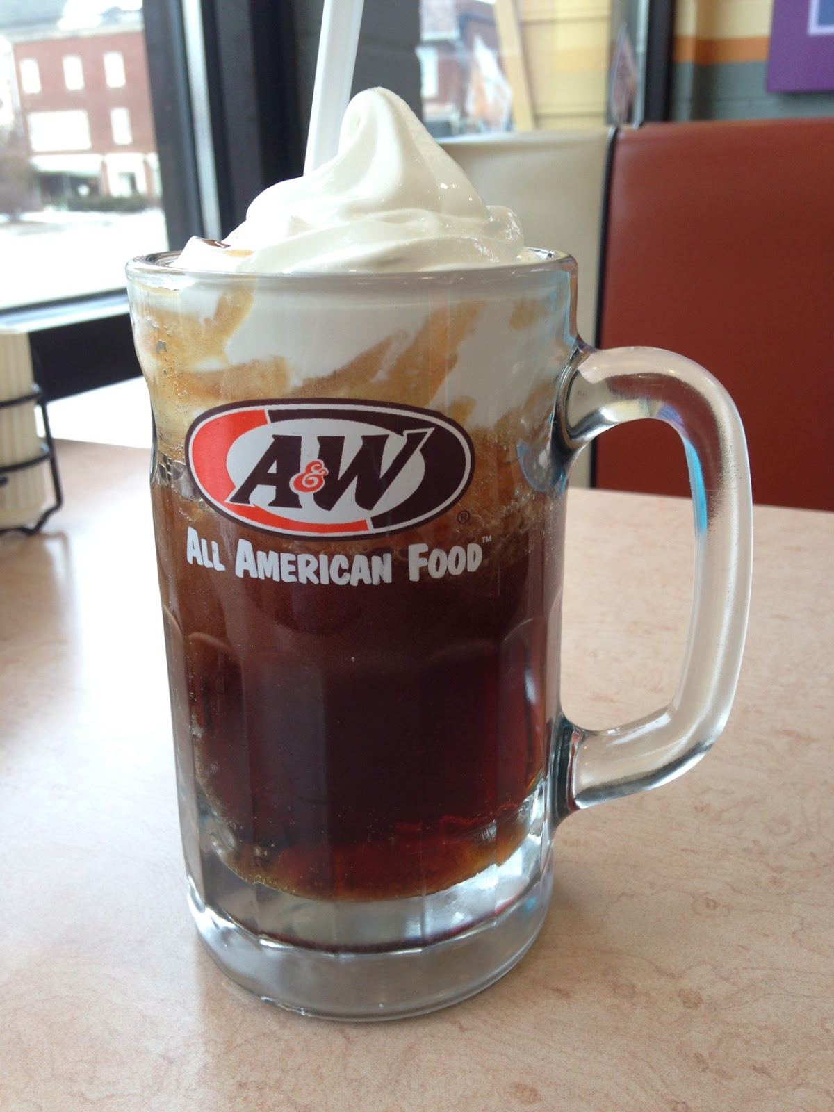 A&W【ROOT BEER】雪糕+汽水!最低只需RM1!不喝就浪费啦!