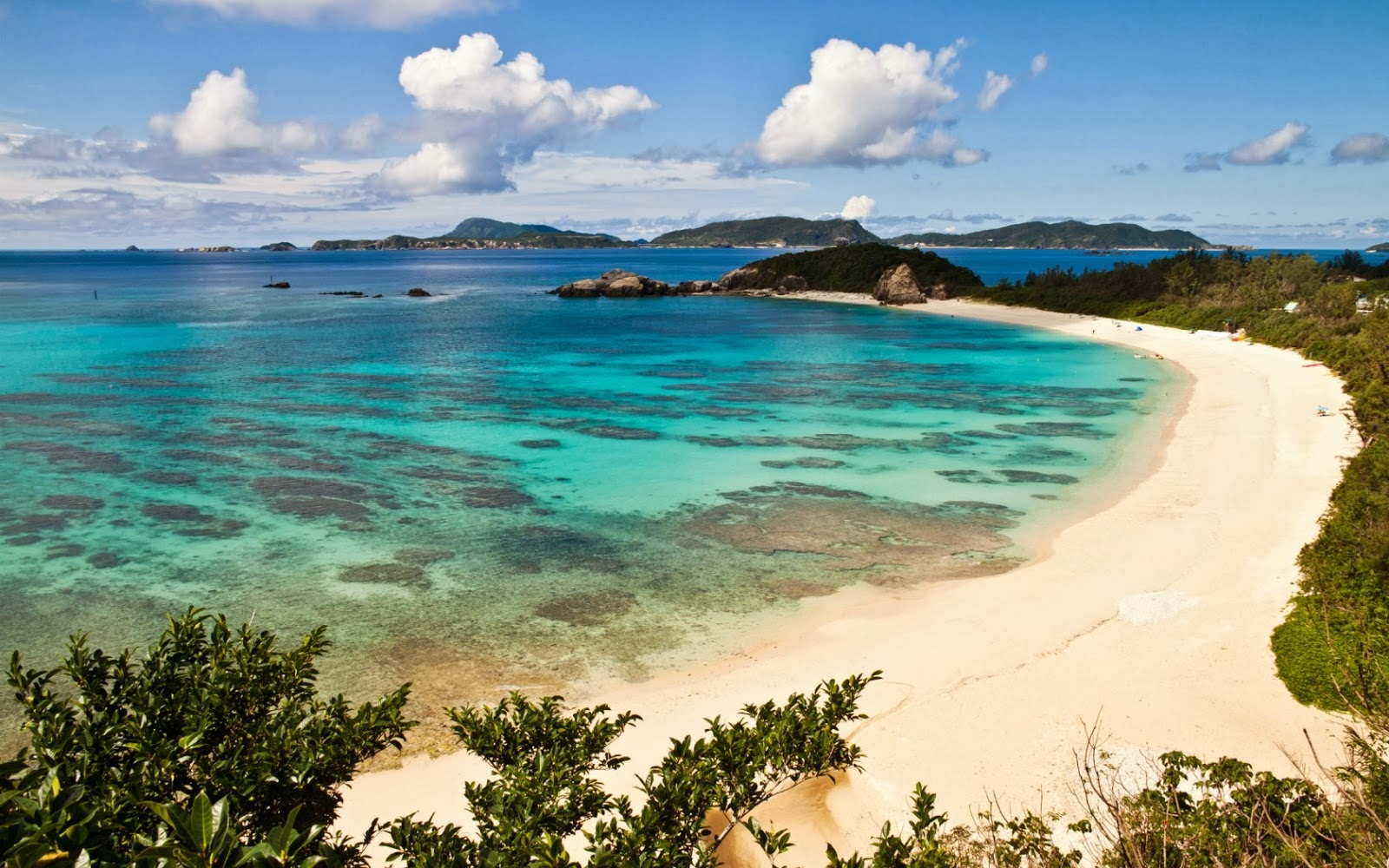 HD Maya Bay Beach Wallpaper