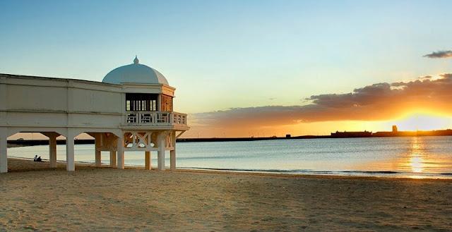 Praia La Caleta em Cádis
