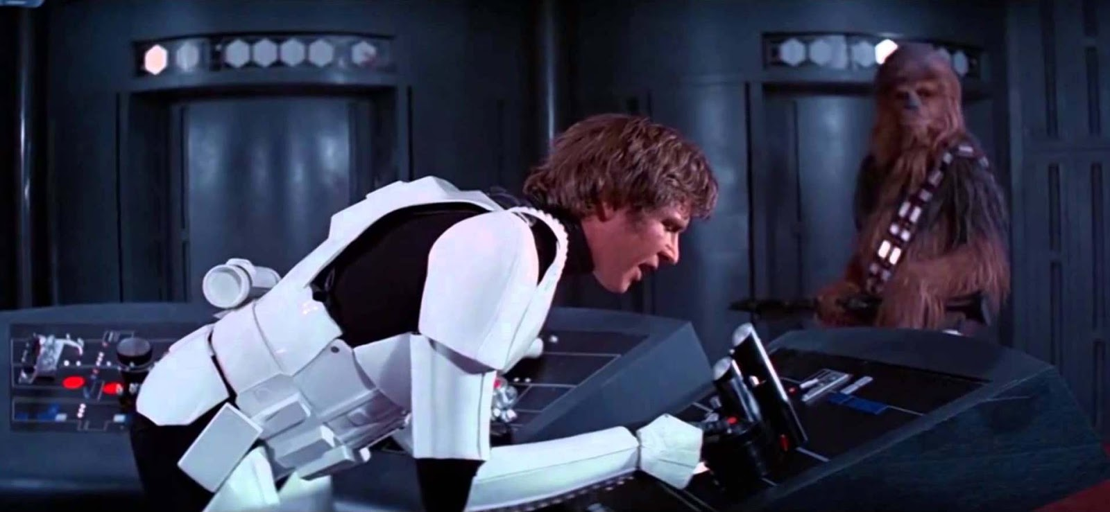 9 Greatest Unscripted Moments In Star Wars Movie History The Geek Twins