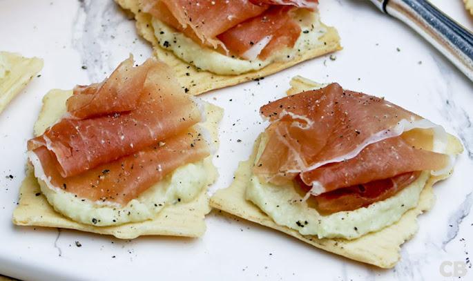 Recept Toastjes met gedroogde ham en een frisse artisjokkencrème