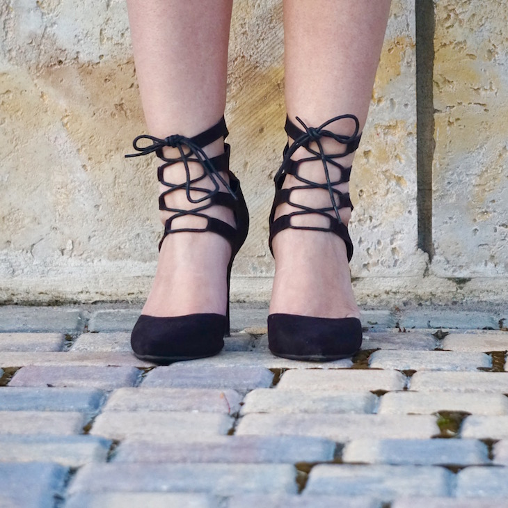 Lace-Up-Pumps-PinkOrchidMakeup-Vivi-Brizuela