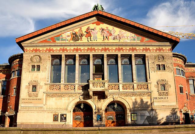 Piękny, zdobiony Teatr w Aarhus - top atrakcja turystyczna w duńskim Aarhus