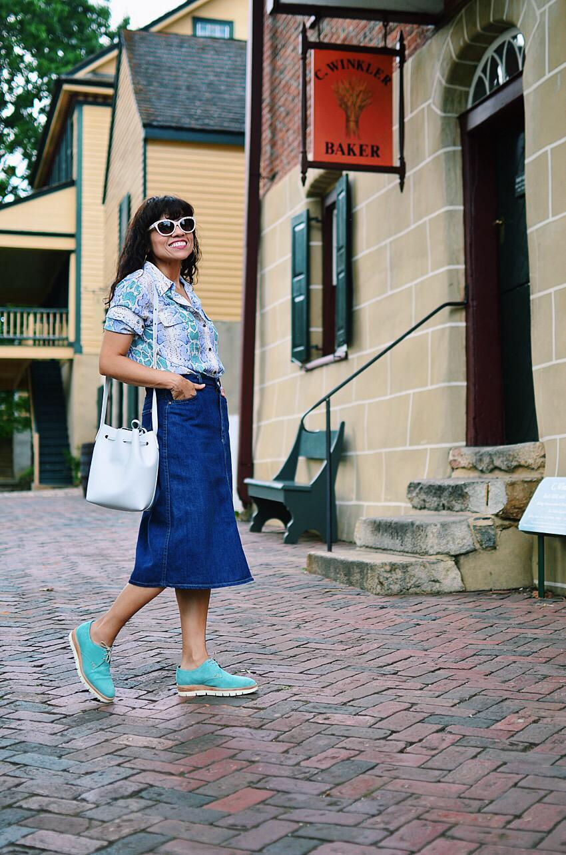 Denim midi skirt street style