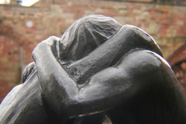 Αποτέλεσμα εικόνας για αγκαλια εικονες