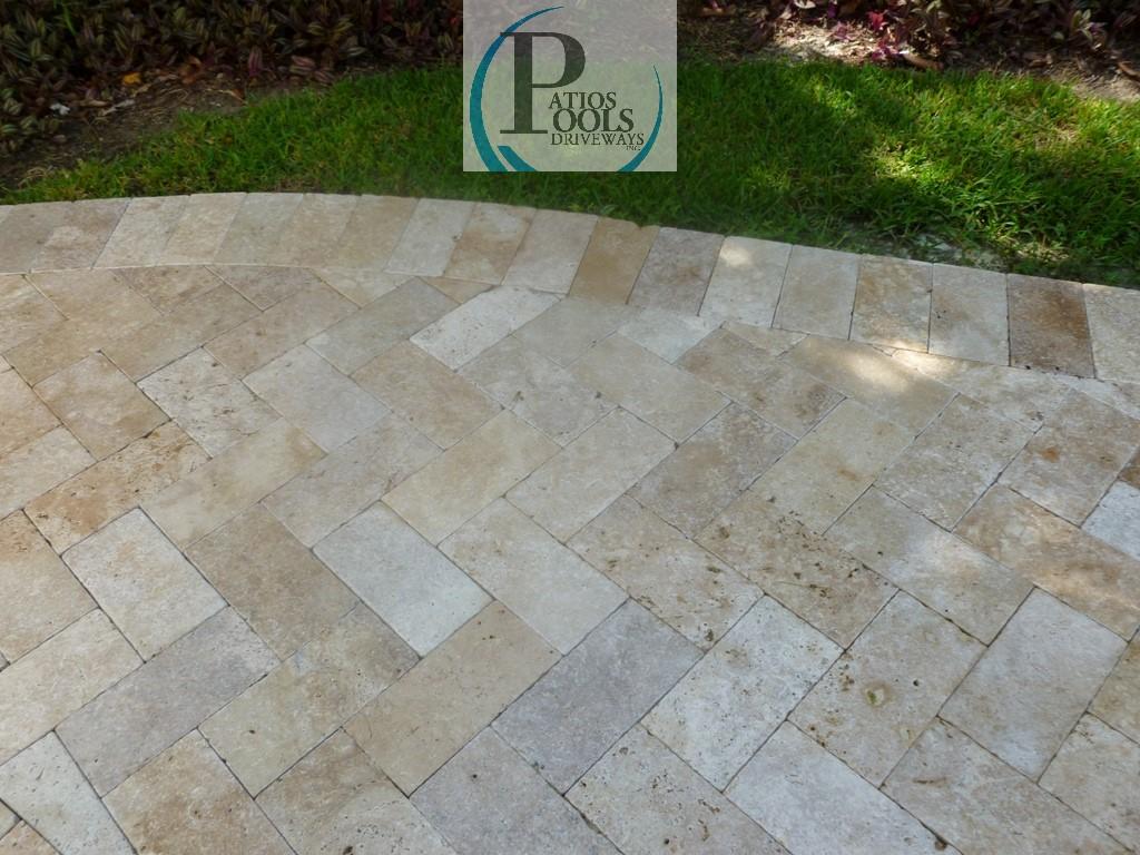 travertine pool deck. travertine tile with light border