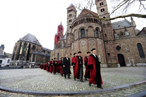 Maastricht university fully funded ucm scholarship