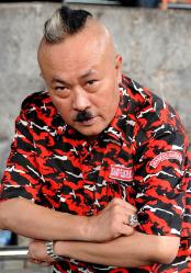 adalah seorang aktor dan pelawak Indonesia yang dikenal luas masyarakat melalui grup lawa Pelawak Gogon Meninggal Dunia, Ini Biografi lengkapnya