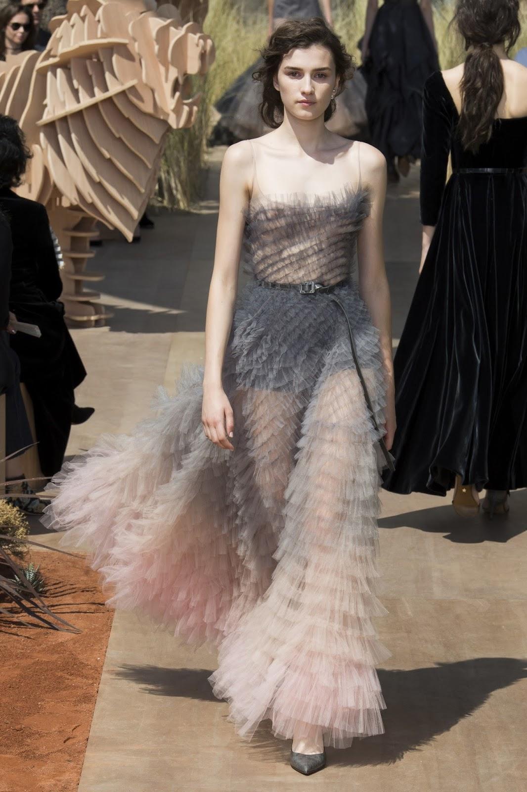 Picking dress stardoll fashion