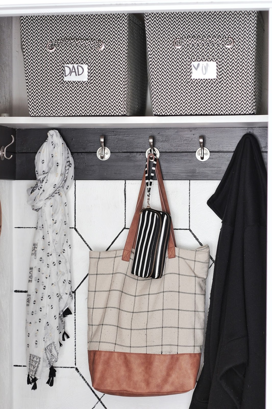 https://www.fwmadebycarli.com/2017/01/organization-entryway-coat-closet-and.html